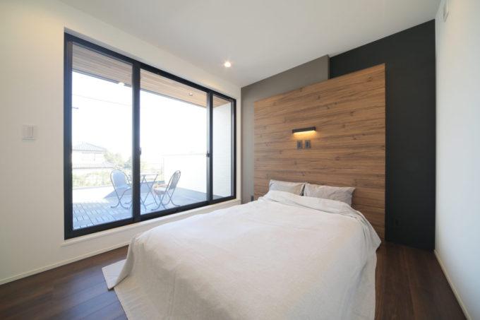 シブサワスタイル 寝室 バルコニー